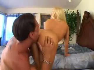 Cassie युवा takes एक बड़ा कॉक वीडियो