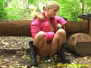 Pissing asu doing her njijiki job open air