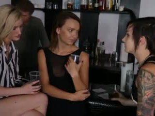 3 hot girls 14