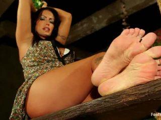 Feet That Dance To Elmer S Tune Jenna Presley