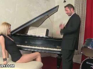 hq enorme tieten mov, plezier grote tieten neuken, meest voet fetish porno