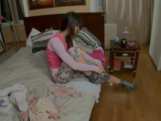 Provoking 青少年 gets 上 她的 knees