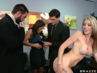 brunette porno, echt neuken, echt pijpbeurt tube