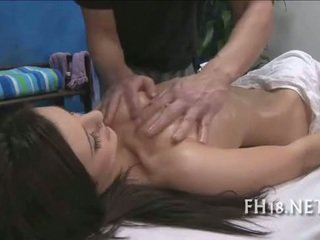 Cute 18 year old prawan gets fucked hard