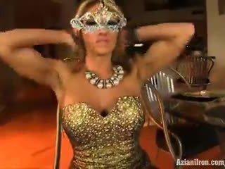 Aziani 鉄 super 熟女 abby marie フィットネス モデル