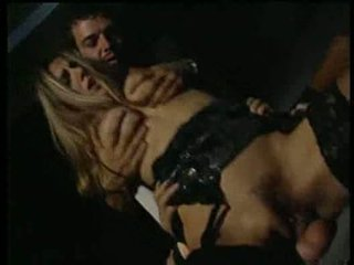 Selen having sexin the wayang