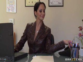 Великий titted secretaries pics