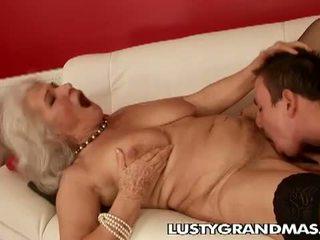Lusty grandmas: vanaema norma hoor veel loves keppimine