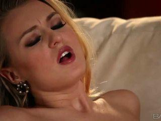 Seksi rambut pirang natalia starr pleases dia orang video