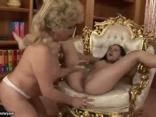 pissing, pussy licking, old