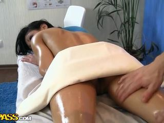 Pretty Girl Fucked At Massage Session