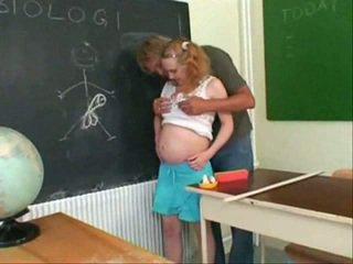 Grūtniece pusaudze jāšanās