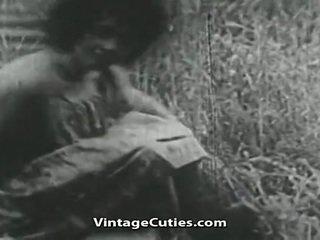 Fata cu mare balcoane și paros pizda inpulit în câmp