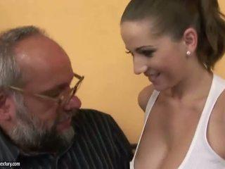 Fan med en blind flicka porr