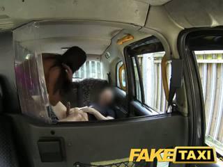 Faketaxi sexy americana falls para viejo taxi truco