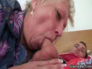 Lusty סבתא כוס מזוין