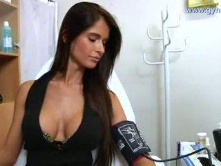 Καυτά νοσοκόμα, βαθμολογήθηκε τσεχική