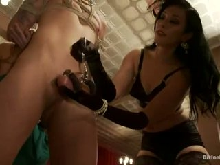 meer cbt actie, bal busting, plezier ballbusting porno