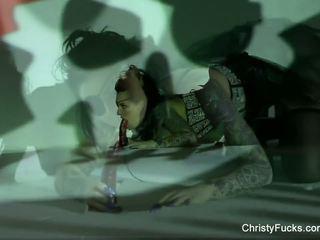 Christy mack karı dolandırma masturbation