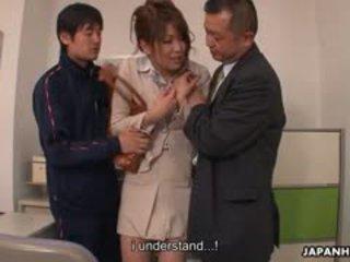 Pusaudze dzimumloceklis loving yuuno hoshi ir sagrupētas līdz two teachers