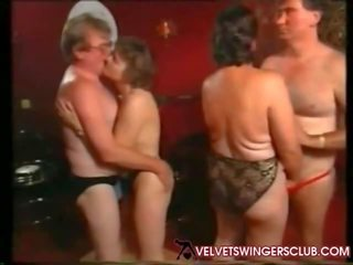 Velvet swingers क्लब ग्रॉनी और seniors रात आमेचर