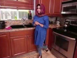 Arab bruneta násťročné ada gets filled