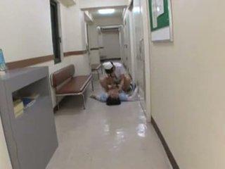 Ýapon şepagat uýasy assults patient