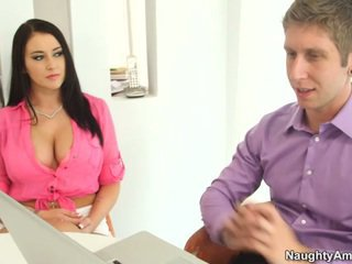 Bigtitted svart haired alexis grace receives python