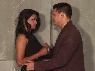 Hot-Girlfriend-Romance-With-Boyfriend