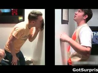 Heteroseksueel hogeschool dude gets heet pijpen