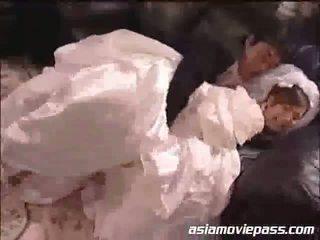 Yua aida la jeune mariée et la bestman
