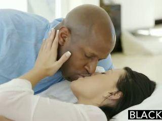 Blacked 青少年 beauty tries 肤色 肛交 性别
