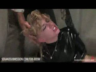Blonde meets the wishes of her colleague