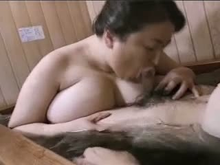 Azjatyckie dojrzała grubaska mariko pt2 bath (no censorship)