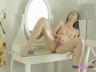 Horny Teen Hippy Girl Makes Herself Cum Fingering Her Pussy