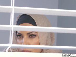 Arab oral sex inside the shower room