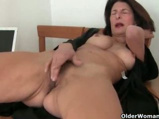 hot cougar posted, watch old scene, online older vid