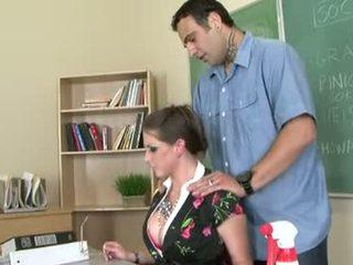 Rachel roxxx yra a ištvirkęs mokytojas