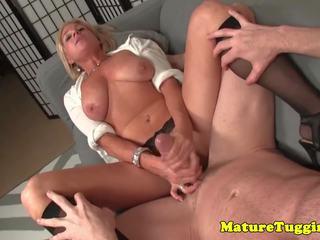 Krūtainas pieauguša uz zeķe raušana par loceklis: bezmaksas hd porno f2