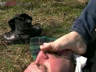 meest man, meest voet scène, heet vernedering video-