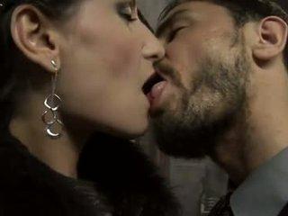 hauska ruskeaverikkö, suuseksi ihanteellinen, kuuma emättimen seksiä