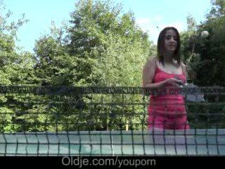 Cutie 큰 가슴 비탄 수탉 딥 스 로트 drilling 과 지저분한 얼굴의 옥외 비디오