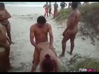 Strand porno