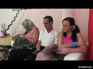 Bà nội nữ nữ nam có ba người