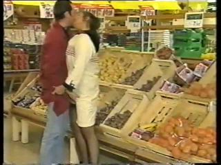 Anal in the Shop: Free Vintage Porn Video 9d