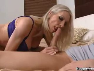 Cockstuffed Emma Starr feeds her hungry mouth with her awesome mans sausage