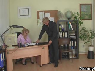 Guy Fucks Mature Office Woman on the Floor: Free HD Porn 2a