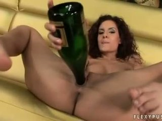 Wine Paramour Leanna Sweet Copulates Her Cookie With Her Empty Bottle
