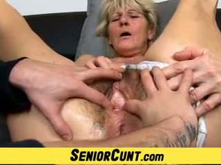 Close-ups of Hairy Old Pussy of Czech Granny Hana: Porn ff