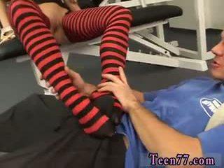 alle brunette neuken, controleren pijpbeurt film, nieuw voet fetish scène